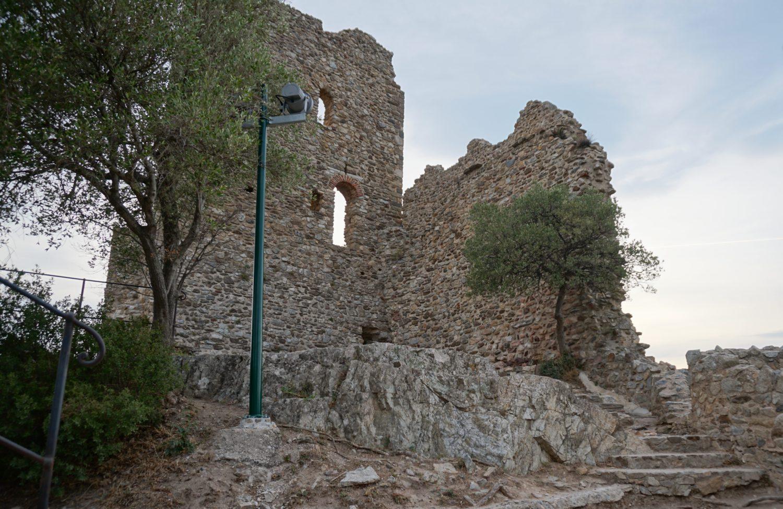 Aufstieg Château de Grimaud, Ruine