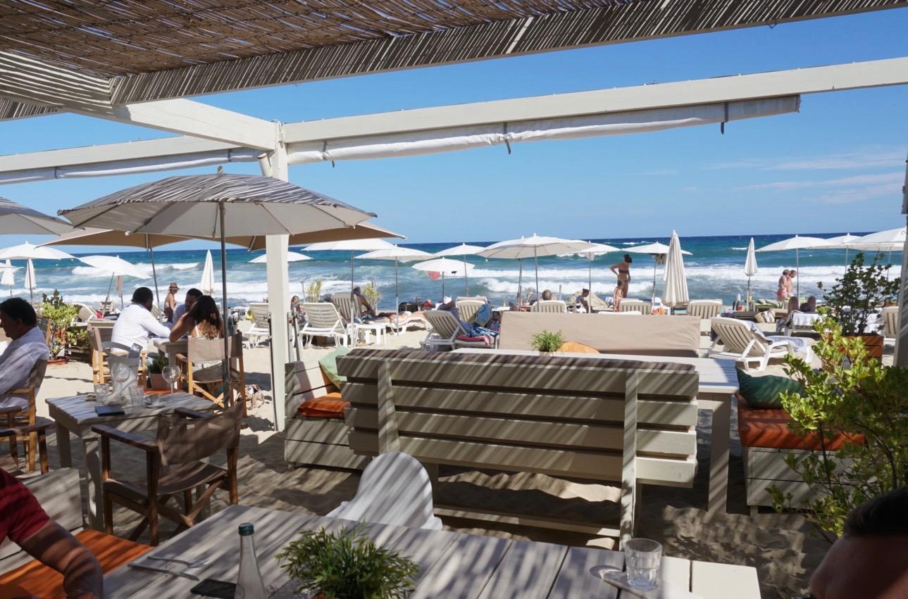 Ein perfekter Strandtag - Plage de Pampelonne, Blick vom Mittagessen