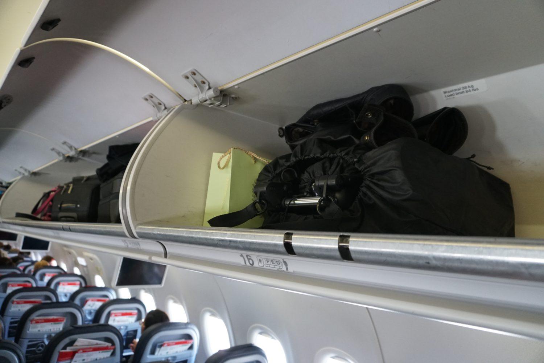 Einsatz Yoyo+ auf Flugreise // Ergänzung, Handgepäckfach