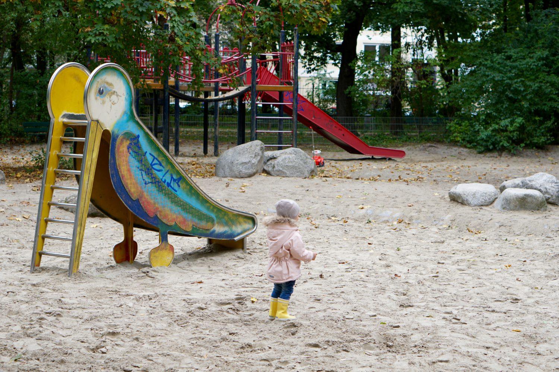 unsere-liebsten-spielplaetze-muenchen-spielplatz-leopoldpark-rutsche