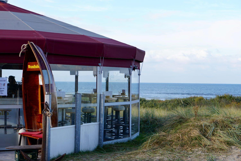wunderschoene-nordseeinsel-juist-schirmbar