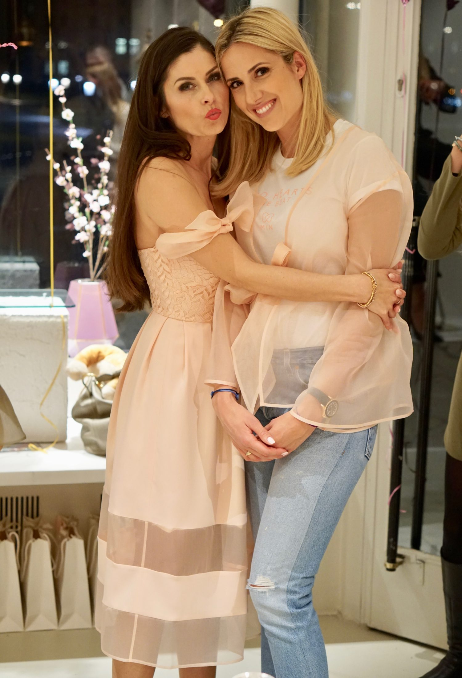 Min Fashion Store Opening Wunderschöne Kleider Für Mama