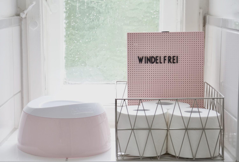 Windelfrei - Toilettenrollen und rosa Töpfchen