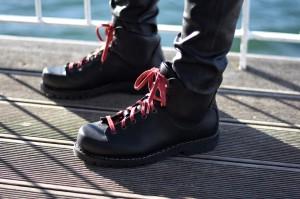 Chic & Schlittentauglich - Ein Wanderschuh für alle Fälle + Outfit, Detailaufnahme Schuhe