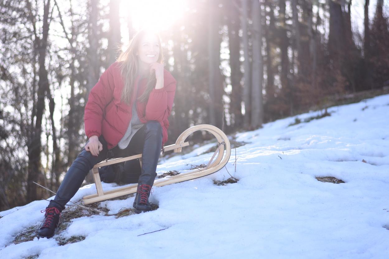 Chic & Schlittentauglich - Ein Wanderschuh für alle Fälle + Outfit, Wenn die Sonne durch die Bäume blitzt