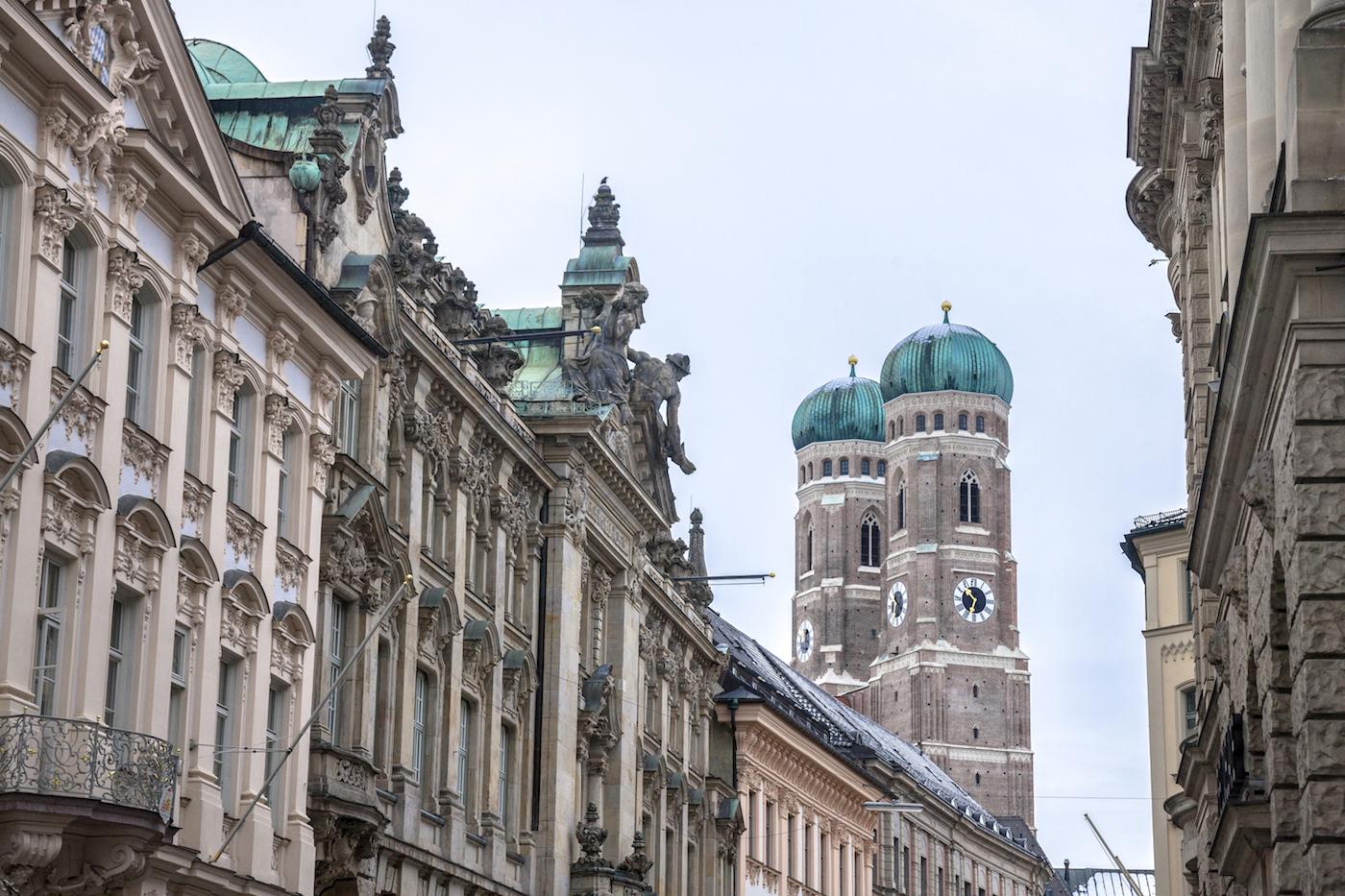 Eine Rheinländerin in München - 5 Jahre München, Frauenkirche Quelle: shutterstock