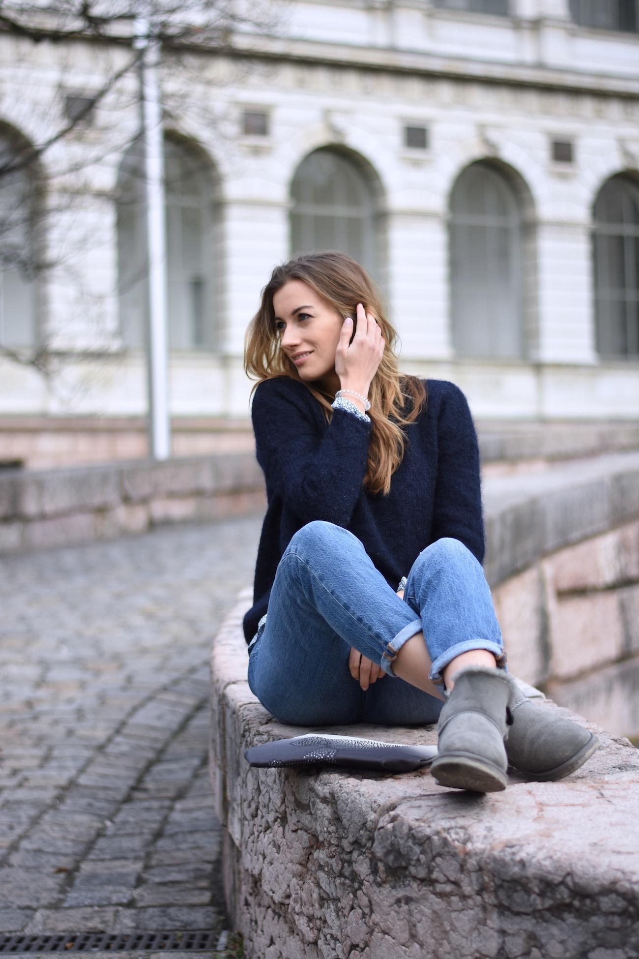 Gemütlicher Mama Look für jeden Tag - Susamammastyle, Marine Cashmere Pullover