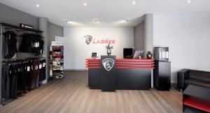 Studio Lagree München - ganzheitliches Fitnesstraining   Interview Eingangsbereich und Lounge