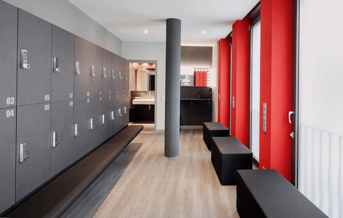 Studio Lagree München - ganzheitliches Fitnesstraining | Interview Umkleidekabiene Damen