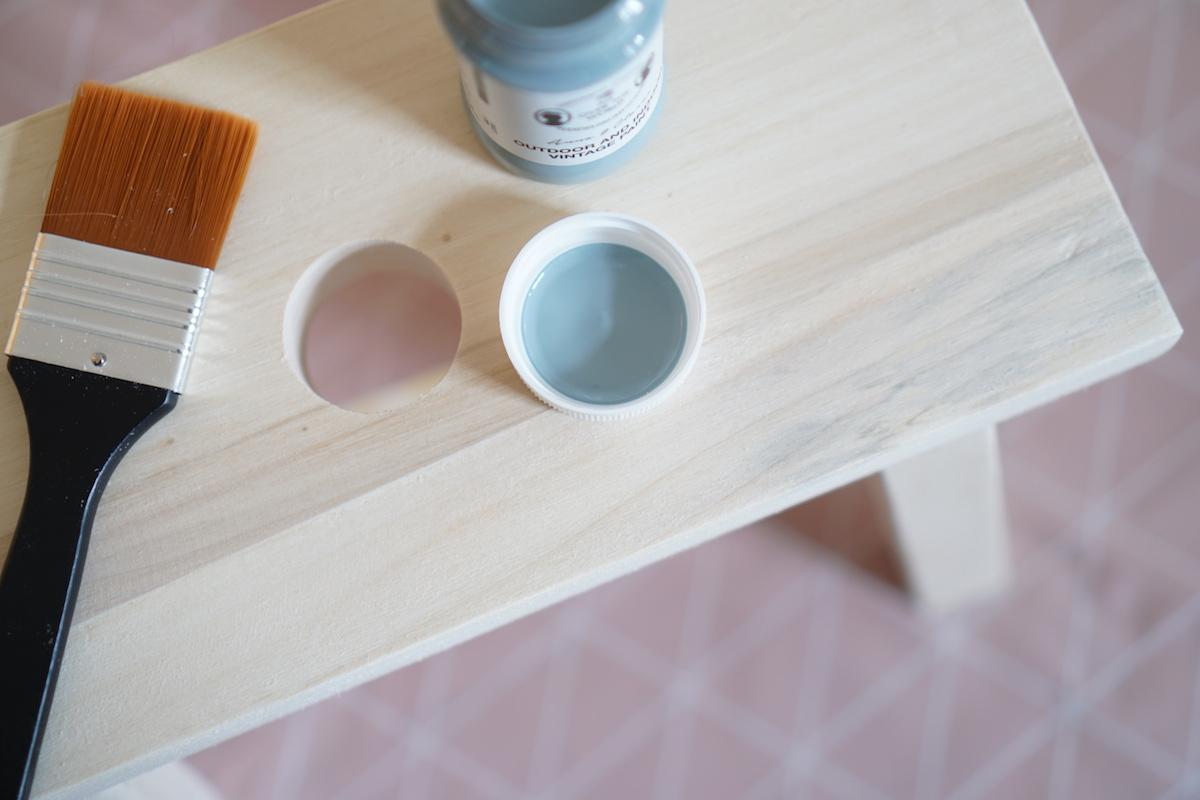 DIY Hocker pimpen & wie der Schemel zum Einsatz kommt Søstrene Grene Vintage Blau Farbe