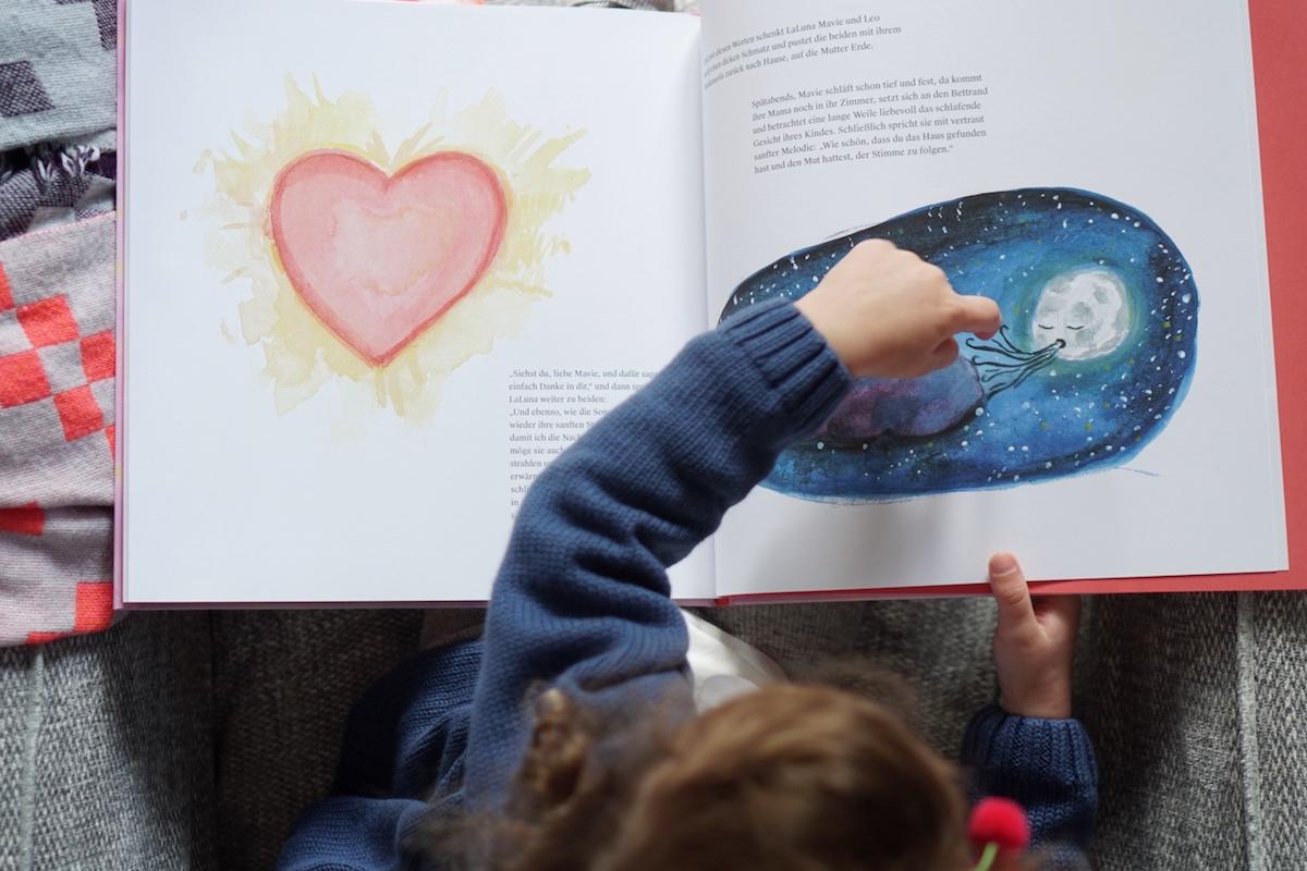 Das Haus mit der Herzenstür - Interview mit Autorin Diana Marino, bezaubernde Illustrationen von Artemis Wolf