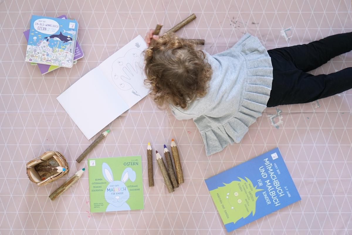 Malen und Lesen mit Vicky Bo Flatlay Malen