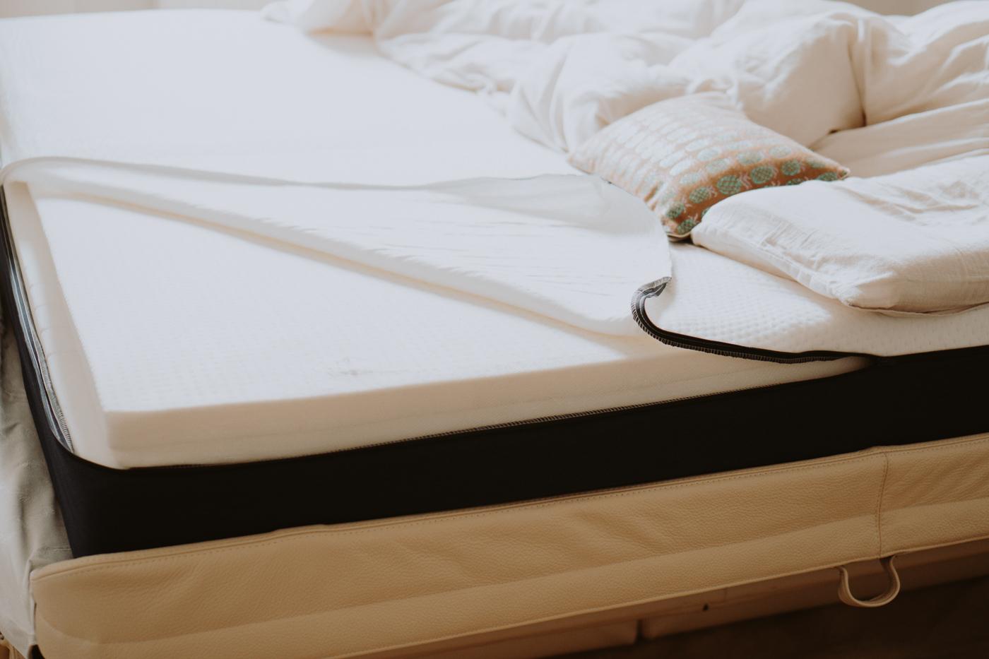 Schlafen ist schön. Matt Sleeps - Eine Matratze für jeden Schlaftyp, Matratze geöffnet