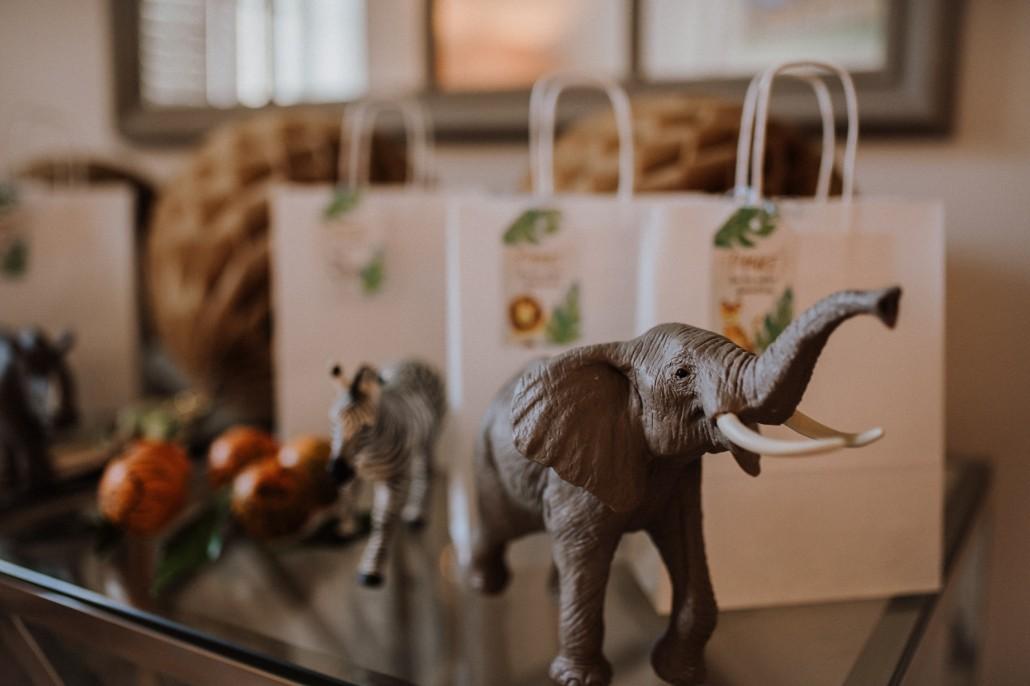 https://www.susamamma.de/wp-content/uploads/2018/12/LETS-GET-WILD-Minnies-4.-Geburtstag-in-a-box-Elefant-Goodiebag.jpg