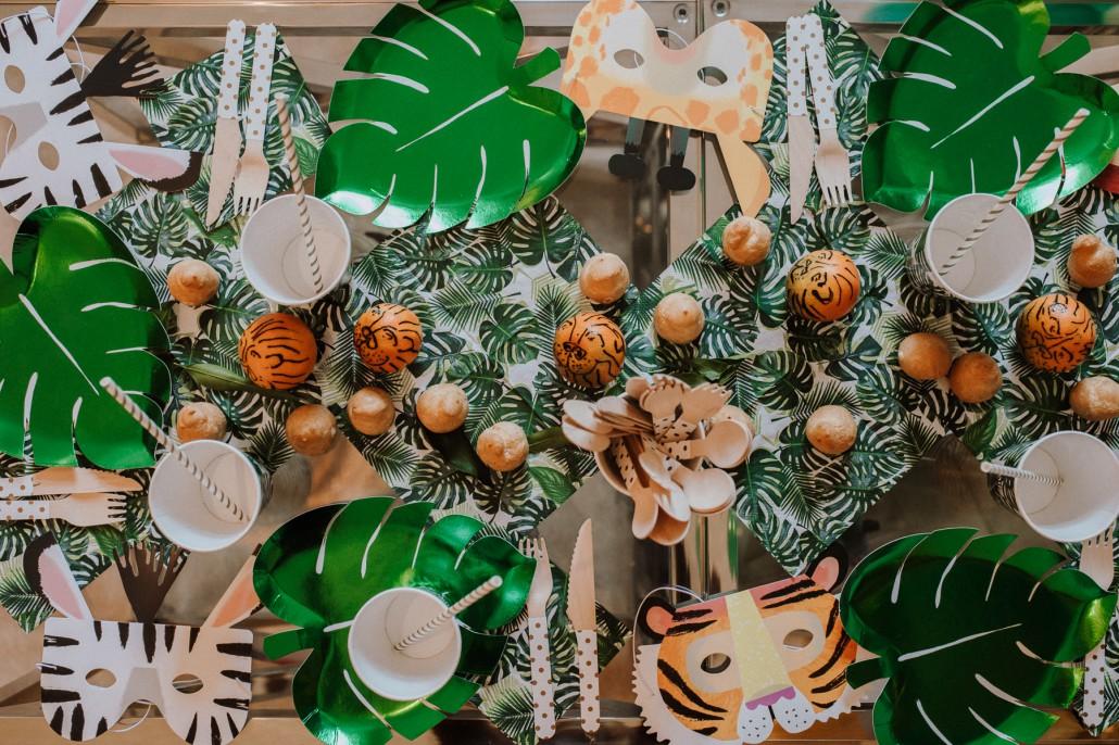 Mottogeburtstag: LET'S GET WILD - Minnies 4. Geburtstag in a box Tiermasken Tischdeko