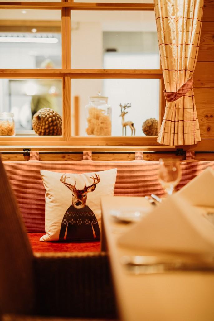 Ein Familienwochenende in Oberstdorf KleinwalsertalHotel Viktoria Restaurant-min