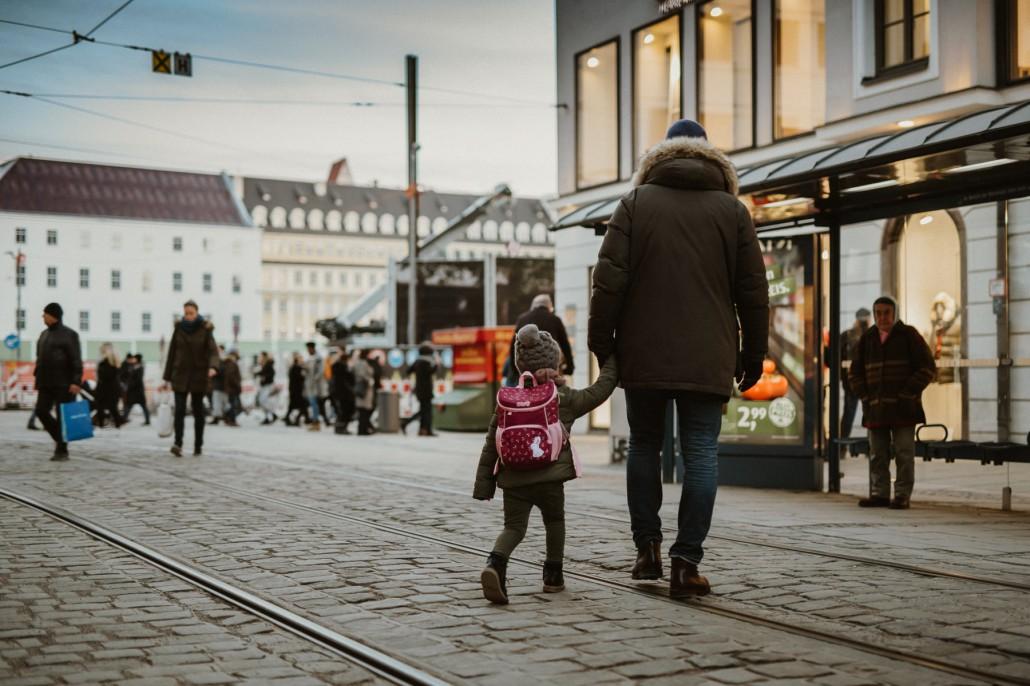 Kindergartenrucksack - Was ist wichtig? Was muss hinein?Papa Minnie Tram