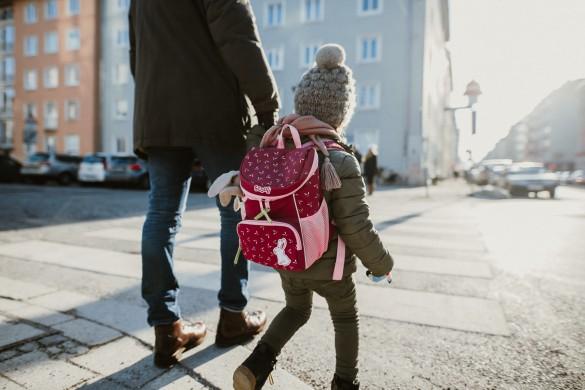 Kindergartenrucksack - Was ist wichtig? Was muss hinein?Zebrastreifen